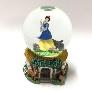 Disney Snow White SNOW GLOBE -Musical
